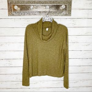 5/$30 NWOT BP Green Cozy Cowl Neck Knit Sweater